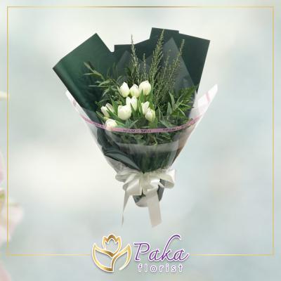 ช่อดอกไม้ พลอยเพชรรัตน์ 13 ช่อดอกไม้มีโทนสีขาวจากดอกทิวลิป ช่อดอกไม้สด พวงหรีด พวงมาลา พวงหรีดดอกไม้สด ร้านดอกไม้สด ขายดอกไม้